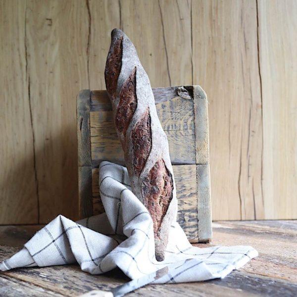 багет со льном ремесленный на закваске без дрожжей