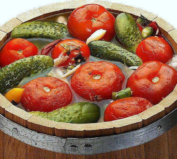 огурцы и помидоры соленые ассорти бочковые без сахара без уксуса